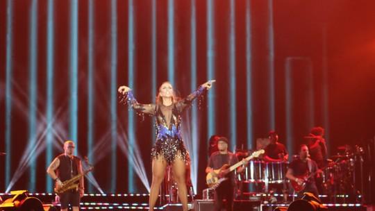 'Do axé eu vim e para o axé eu canto', diz Ivete na 18ª participação no FV 2016