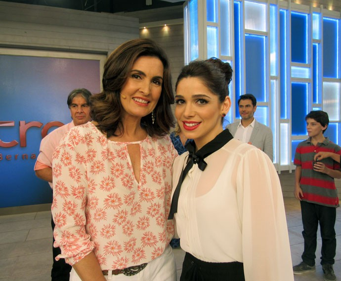 Atriz Sabrina Petraglia com a apresentadora  (Foto: Viviane Figueiredo Neto/Gshow)