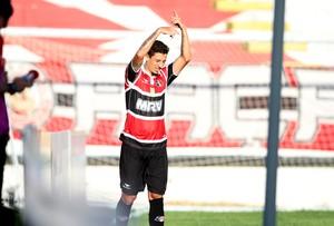 Léo Costa Santa Cruz (Foto: Marlon Costa / Pernambuco Press)
