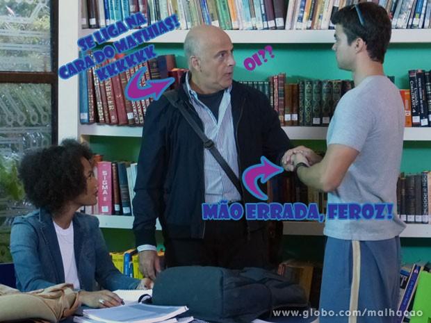 Que figura! O Vitinho vai pedir a mão da Rita em namoro pro Mathias! E segura a mão errada (Foto: Malhação / Tv Globo)