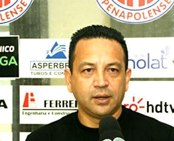 Paulinho Kobayashi, técnico do Penapolense, Copa Paulista (Foto: Silas Reche / CA Penapolense)