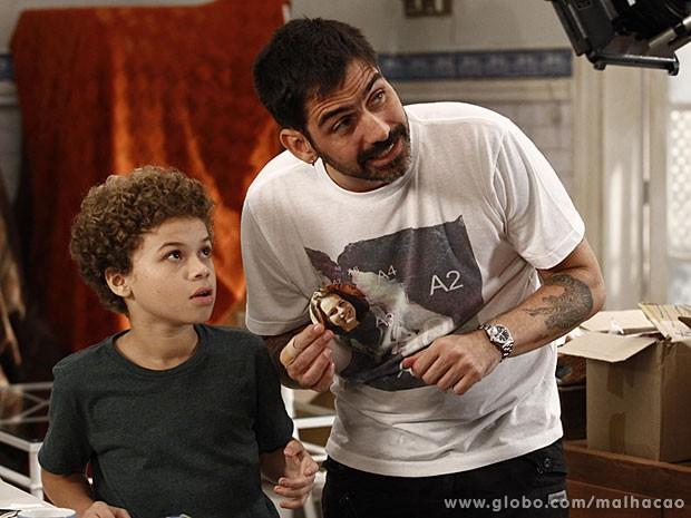 Vinícus Coimbra com o ator mirim Marlon Queiroz  (Foto: (Foto: Inácio / TV Globo))