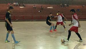 Veneza x Juventus pelo Campeonato Acreano de Futsal da 2ª divisão no Álvaro Dantas (Foto: Reprodução/TV Acre)