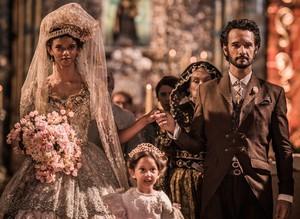 Noivos dizem sim no altar e oficializam união (Foto: Caiuá Franco/ Globo)
