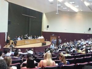 Evento definiu implantação do Sim Saúde em Divinópolis (Foto: Anna Lúcia Silva/G1)