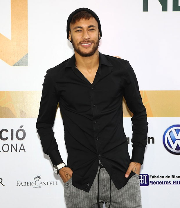 Neymar posa durante inaugura 231 227 o foto manuela scarpa photo rio news
