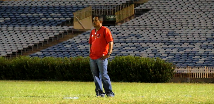 Elivaldo Morais, treinador do Tiradentes-PI (Foto: Josiel Martins )