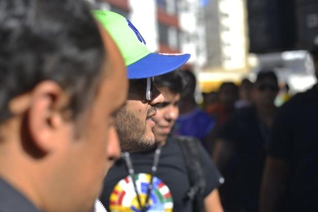 Gusttavo Lima chegando no trio (Foto: Dilson Silva e Andre Muzzel/ Ag. News)