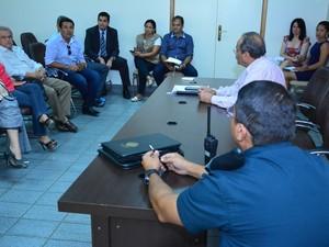 Reunião com o governador ocorreu nesta segunda-feira (29) (Foto: Divulgação/Eduardo Andrade/PMBV)