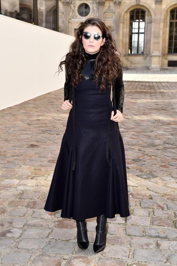 Lorde no desfile da Dior em Paris (Foto: Getty Images)