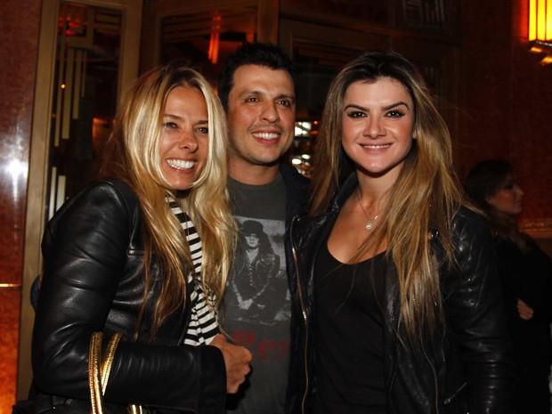 Adriane Galiste, Ceará e Mirella Santos em festa em São Paulo (Foto: Paduardo/ Ag. News)