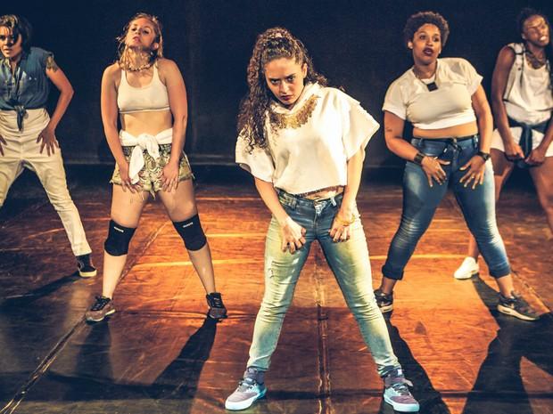 O grupo Gurias realiza o show de dança 'A Mulher na Dança Urbana' em Brodowski e em Monte Alto (Foto: Sidney Paiva/Divulgação)