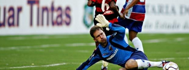 Fabiano, goleiro, durante campanha pelo Fortaleza (Foto: Marília Camelo / Agência Diário)