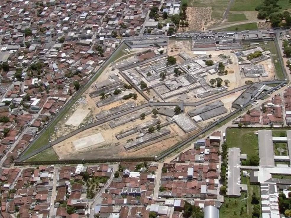 Vista aérea do Complexo Prisional do Curado, no bairro do Sancho, no Recife (Foto: Reprodução/TV Globo)