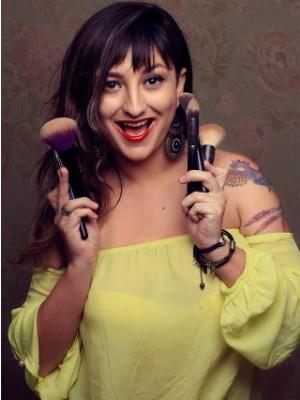 Jovem desistiu da publicidade e virou maquiadora (Foto: Arquivo Pessoal/ Tabatha Matharazo)