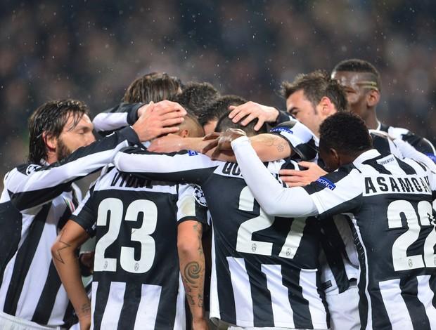 Juventus comemora gol sobre o Celtic (Foto: AFP)