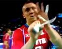 'Tintim' russo devolve provocação e faz gesto obsceno para Bernardinho