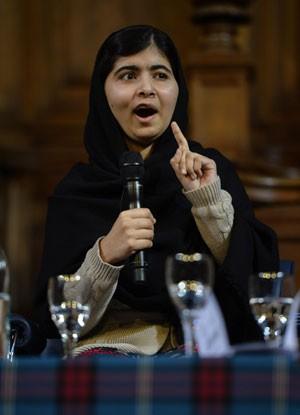 Malala virou símbolo internacional na luta pela educação universal (Foto: Russell Cheyne/Reuters)
