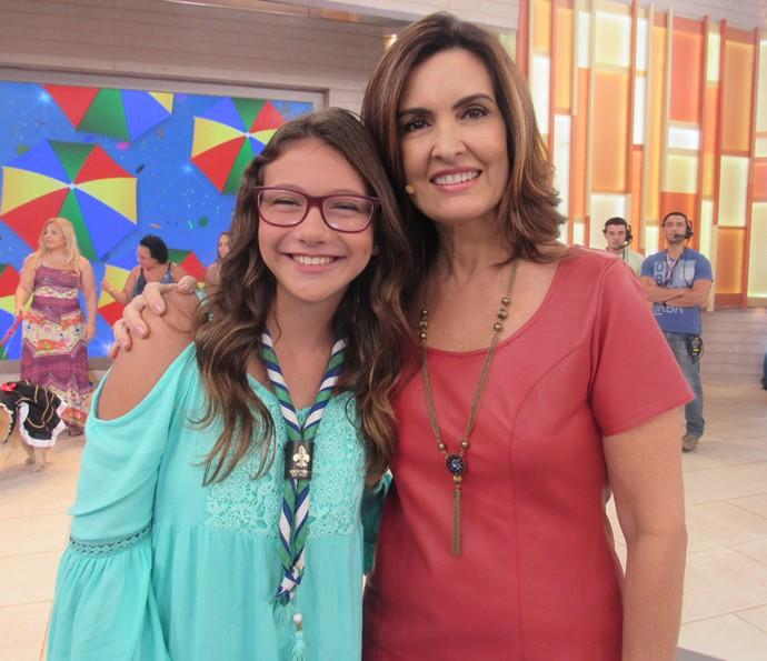 Convidada posa com a apresentadora (Foto: Priscilla Massena/Gshow)