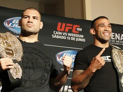 Cain Velásquez Fabricio Werdum UFC 188 encarada (Foto: Evelyn Rodrigues)