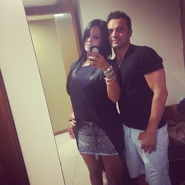 Falcão ao lado da esposa Tatiana Vieira (Foto: Divulgação )