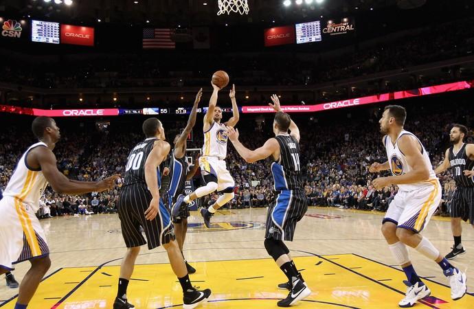 Stephen Curry Warriors x Magic NBA (Foto: Getty)