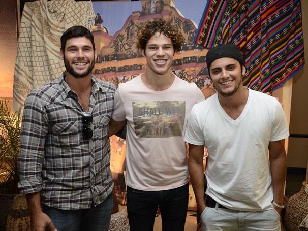 Dudu Azevedo, José Loreto e Bruno Gissoni também estiveram presentes (Foto: Raphael Dias / TV Globo)