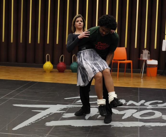 Mariana Santos em treino do Dança (Foto: Artur Meninea/Gshow)