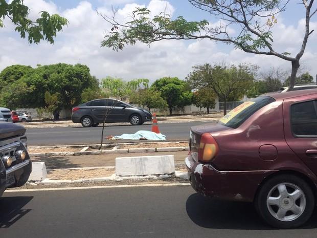 Atropelamento na Avenida João XXIII (Foto: Mozart Menezes)