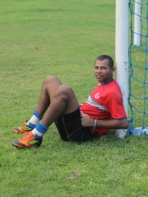 Goleiro Neto Enxuga Rato (Foto: Renan Morais/GLOBOESPORTE.COM)