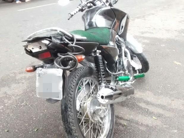 Enem 2016, jovem se atrasou após acidente de moto em João Pessoa (Foto: Krystine Carneiro/G1)