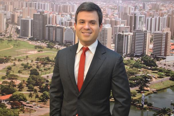 Lyderwan Santos traz as primeiras notícias do estado, no Bom Dia SE (Foto: Divulgação / TV Sergipe)