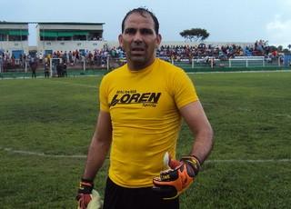 Goleiro Rodrigo Ramos diz que não é normal a série de derrotas (Foto: Afonso Diniz)