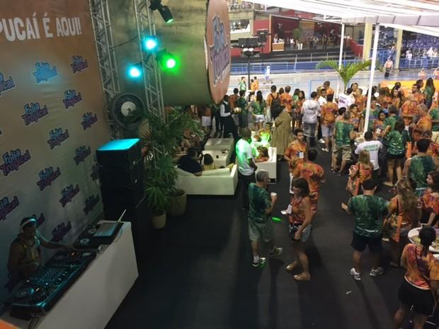Pista de dança no camarote Folia Tropical (Foto: Mariucha Machado/G1)