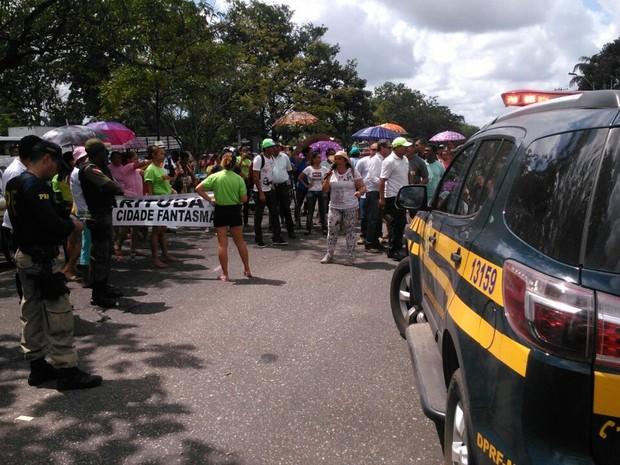 G1 manifestantes interditam br 316 perto da al a vi ria for Grupo alca