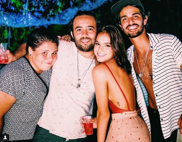 Bruna Marquezine e amigos (Foto: Reprodução / Instagram)