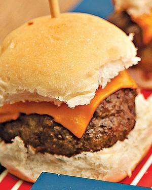Hambúrguer de fraldinha (Foto: Cacá Bratke/Casa e Comida)