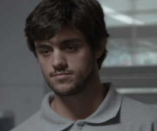 Felipe Simas é Jonatas em Totalmente demais   Reprodução
