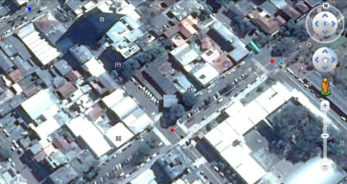 Use os botões direcionais para navegar no mapa (Foto: Reprodução/Helito Bijora)