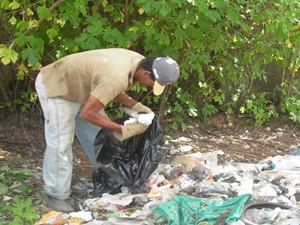 Agente realizando mutirão em Bom Despacho (Foto: Secretaria de Saúde de Bom Despacho)