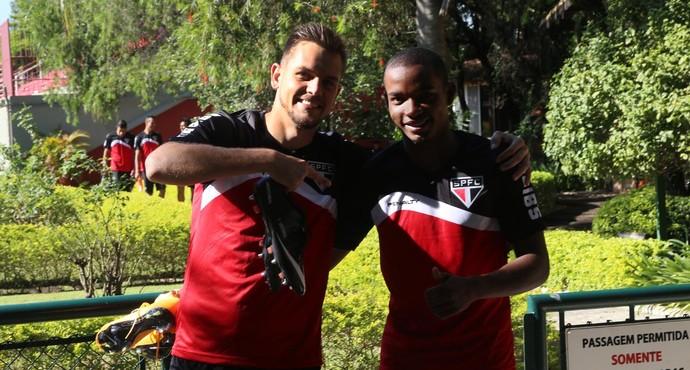Rafael Toloi Thiago Mendes São Paulo (Foto: Rubens Chiri/site oficial do SPFC)