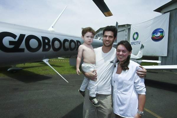 Público se divertiu no 7º Festival Aéreo do Aeroclube do Paraná, neste sábado (27)  (Foto: Euricles Macedo/ RPC TV)