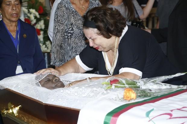 Nana Caymmi no velorio de Emilio Santiago (Foto: Roberto Filho/ AgNews)