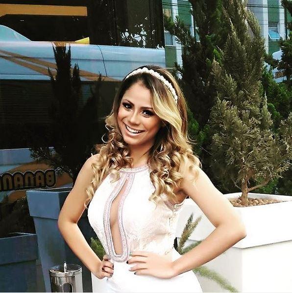 Lexa mostra o look para o réveillon. Cantora fará show em Belo Horizonte (Foto: Reprodução/Instagram)