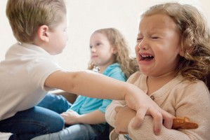 Brigas entre irmãos: como lidar com os conflitos