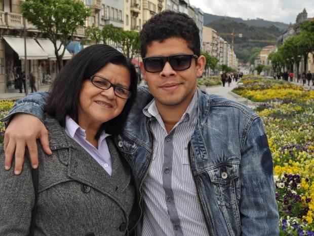Em 2012, Raquel passou uma temporada em Portugal com o filho, Raphael (Foto: Raphael Marinho/Arquivo Pessoal)