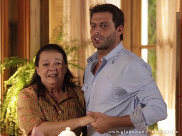 Cassiano recebe o apoio de Olívia (Foto: Flor do Caribe/TV Globo)