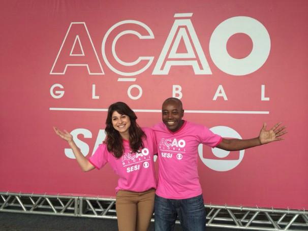 Nando Cunha e Chandelly Braz na Ação Global, em Barra do Piraí (Foto: Divulgação/Natália Leme)