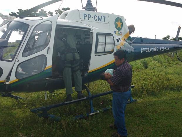 Transporte de barco até hospital em Cuiabá levaria mais de sete horas (Foto: Ciopaer/Divulgação)