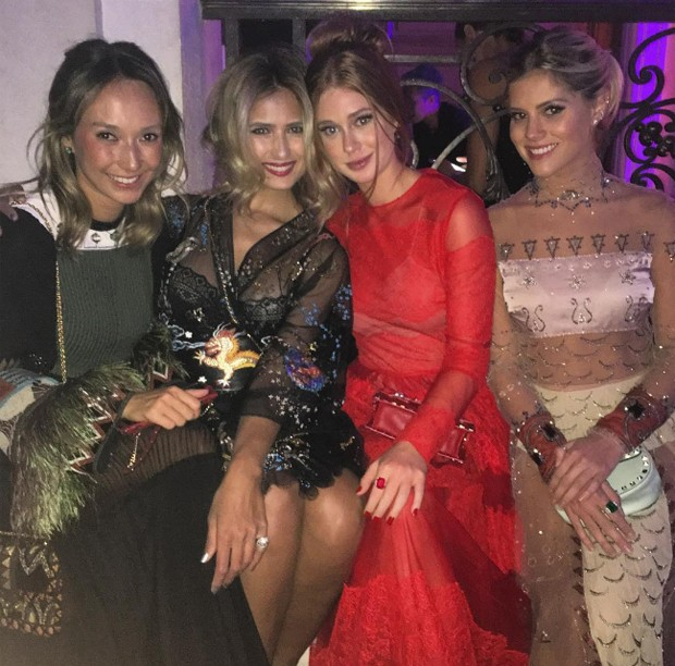 Marina Ruy Barbosa com Juliana Carvalho, Patty Bagattini e Lala Rudge (Foto: Reprodução/Instagram)